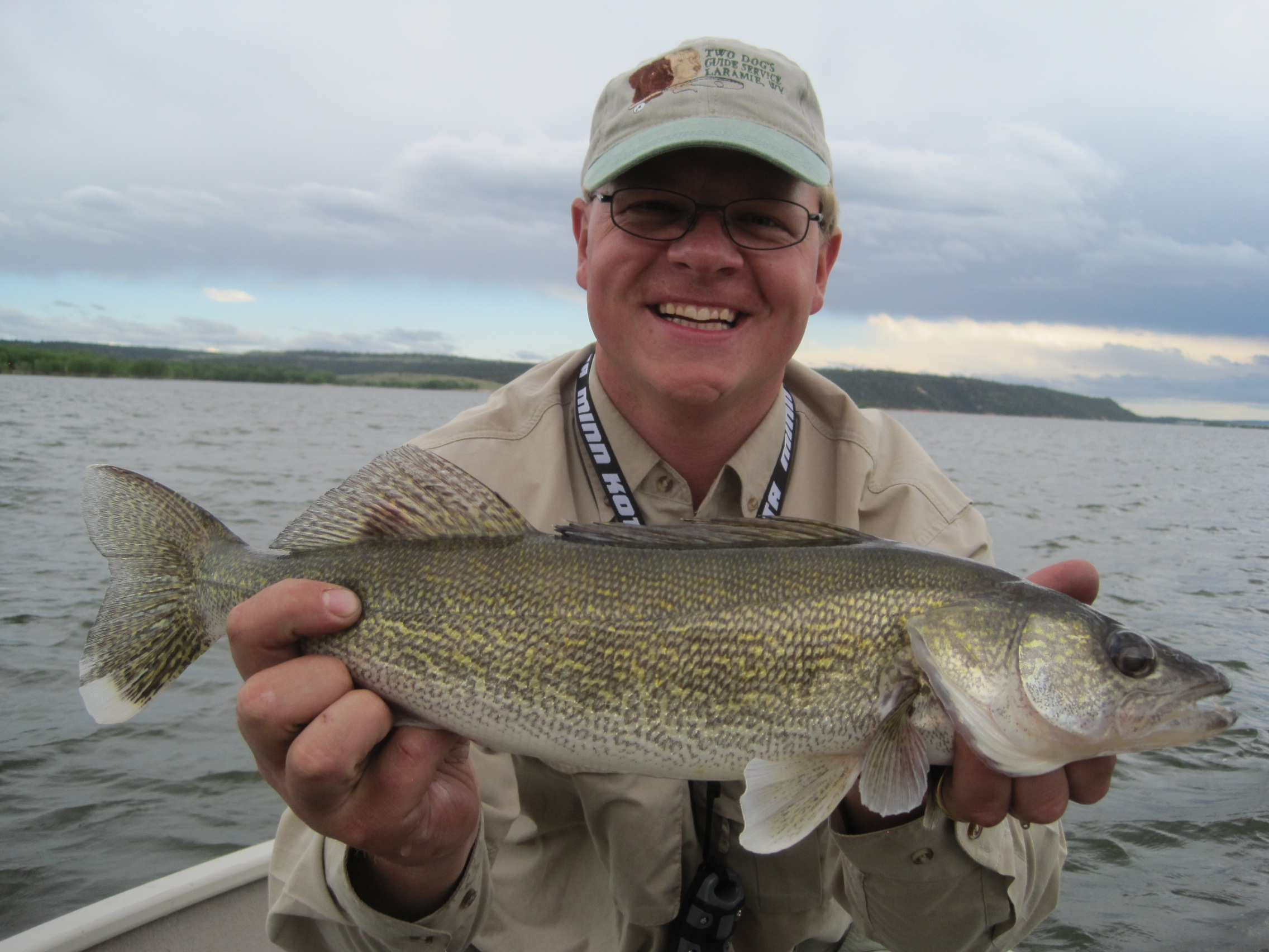 Walleye fishing in wyoming two dogs guide service for Fishing for walleye